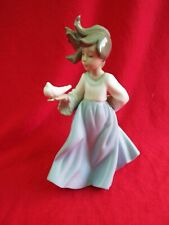 """LLADRO NAO """"Winged Friend"""" 1088 Girl with Dove in Her Hand Figurine"""