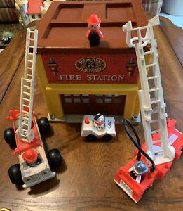 Vintage Fisher Price 928 Little People Fire Station Set Trucks, Dalmatian Dog ++