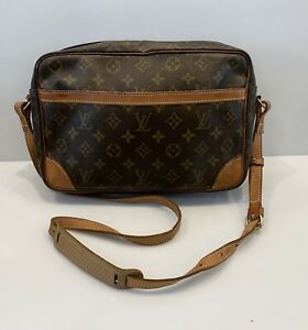 Vintage Louis Vuitton Monogram Messenger Bag Trocadero 30 Crossbody HandBag