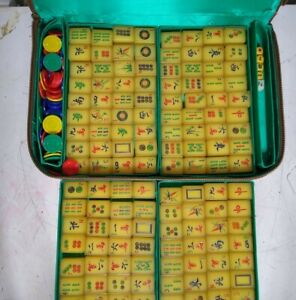 Vintage Mahjong Tiles Butterscotch Translucent Amber Bakelite set