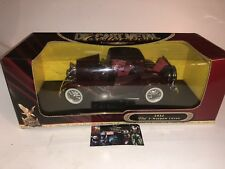 1:18 scale 1932 Ford 3-Window Coupe Yat Ming Road Signature series Plum