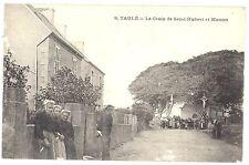 CPA 29 - TAULE (Finistère) - 8. La Croix de Saint-Hubert et Maison - Animée