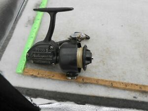 Vintage Shakespeare 2200 II SPINNING FISHING REEL MADE IN JAPAN