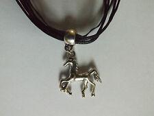 collier organza noir avec pendentif cheval poulain