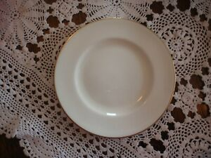 WEDGWOOD MADE IN ENGLAND BREAD & BUTTER PLATE BONE CHINA WHITE GOLD RIM