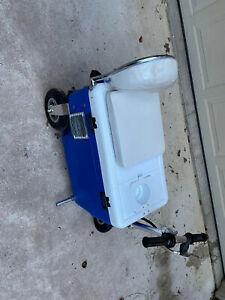 Cruzin Cooler Gas Model 33cc  Blue Ice chest Motorized