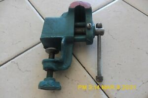 """UNBRANDED SMALL TABLE MOUNT VISE - 1 1/2"""" OPENING - MOUNTS UP TO 3/4"""""""