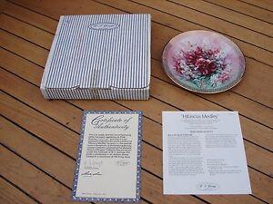W J George  Shimmering Beauty Plate 7 Lena Liu Hibiscus Medley 7th Boxed COA
