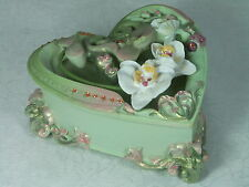 Stunning Orchid designed heart shaped Trinket Jewellery BOX 8138 Poly Resin NEW