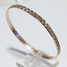 RARE SIGNED VINTAGE 9K (.375) MULTI-GOLD DIAMOND-CUT BANGLE BRACELET, 7.8 g., VG