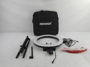 """Neewer 10088612 - Ring Light Kit:18""""/48cm Outer 55W 5500K, Light Stand, Black"""