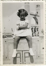 PHOTO ANCIENNE - VINTAGE SNAPSHOT - ENFANT COIFFURE MODE JAMBES - LEGS FASHION 3