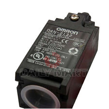 NEW Omron Limit Switch D4N-2132 D4N-2132 Roller Plunger 1000 m²/s 100 MΩ Screw