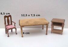 une table et meubles miniature, maison de poupée, vitrine , 1/12   G-T2