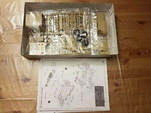 Academy Minicraft plastic 1:35 Hummer troop carrier model kit NO box lid