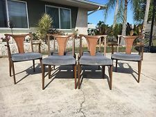 Mid Century Modern Set Of 6 Walnut Dining Chairs By United Furniture Corp