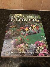 Encyclopedia of Flowers: Over 1,000 Popular Flowers, Flowering Shrubs Trees PB