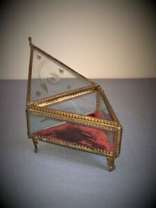 Casket for jewelry. Antique glass with monograms