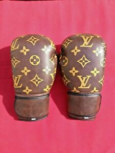 Boxing gloves Synthetic Leather 10oz (your Name / Logo on Wrist)