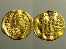 JUSTIN I GOLD TREMISSIS________Constantinople Mint________ADVANCING VICTORY