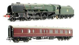 HORNBY 'OO' GAUGE R3221 BR DUCHESS OF SUTHERLAND & SUPPORT COACH TRAIN PACK