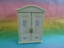 Epoch Sylvanian Families Dollhouse White Armoire Bedroom Furniture