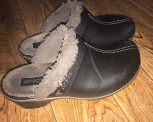 Crocs 16288 Womens Cobbler Eva Faux Fur Lined Black Clogs Mules W8 Shoes