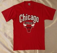 Red Chicago Bulls T-Shirt Size M Made in U.S.A. Swingster T-Shirt Vintage 90s