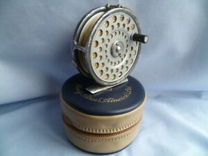 VINTAGE HARDY LRH LIGHTWEIGHT FLY FISHING REEL WITH CASE / POUCH & LINE TROUT