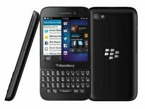 BLACKBERRY Q5 3G SMART MOBILE PHONE - UNLOCKED WITH NEW CHARGAR AND WARRANTY