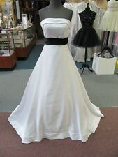 45132 FOREVER YOURS WHITE w/BLACK SASH Bridal Gown Dress Size 4 $850-ORIG PRICE