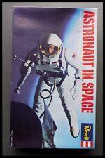 Revell astronauta en el espacio Figura Rara 1:12 Modelo Kit