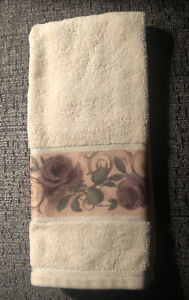Croscill Chambord Hand Towel Amethyst Purple Rose
