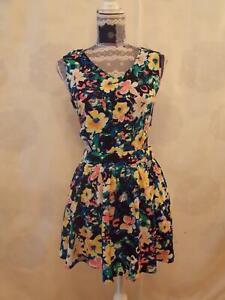 Rubie Mini Dress size 10    flowers Sleeveless V Neck Multi