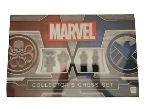 NEW Marvel Collector's Chess Set