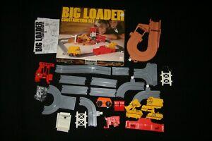 Vtg 1977 BIG LOADER Construction Set TOMY 5001- MOSTLY COMPLETE - Original Box