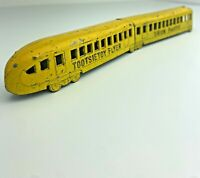 Vintage Tootsietoy Flyer 2 Car Die cast Metal Train Yellow USA See Pictures