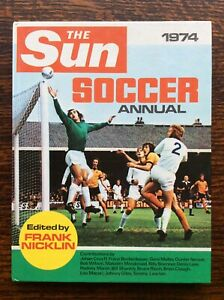 Vintage 1974 The Sun Soccer Annual - UK Retro Football Book VGC