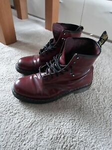 DR MARTENS  LEATHER BOOTS SIZE 11/ 46