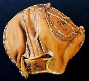 High Grade 1950s NOKONA Mint Condition Vintage Catchers Mitt Baseball Glove CM43
