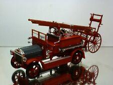 SIGNATURE 43008 DENNIS N-type LADDER TRUCK - FIRE ENGINE - RED 1:43 - VERY GOOD