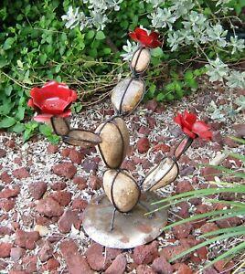 YARD ART ROCK PRICKLY PEAR CACTUS SCULPTURE RED FLOWERS