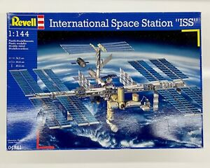 Revell 04841 International Space Station ISS 1:144 Modellbausatz, OVP