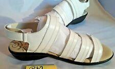 Q67 Womens White Propet Shoes Size 10 1/2 Wide  New No Box