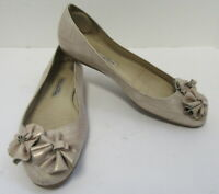 OSCAR DE LA RENTA Beige Gold Toned Ballet Flats with Flowers Size 36.5