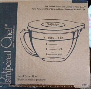 PAMPERED CHEF Batter Bowl with Lid 4 Cup/1 Quart