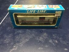 AMWAY HO Scale Reefer Car #8468 by LIFE LIKE