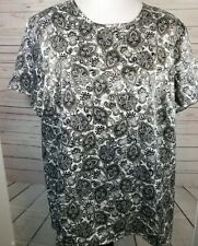 Liz Baker Woman Silky Top 24W Short Sleeves Black White Gold Paisley Career