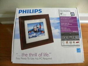 "Philips Home Essentials Digital Photo Frame 8"" SPF3480T/G7 - NEW"