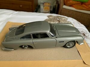 Auto Art - Aston Martin DB5 James Bond Goldfinger Die Cast 1:18 Model